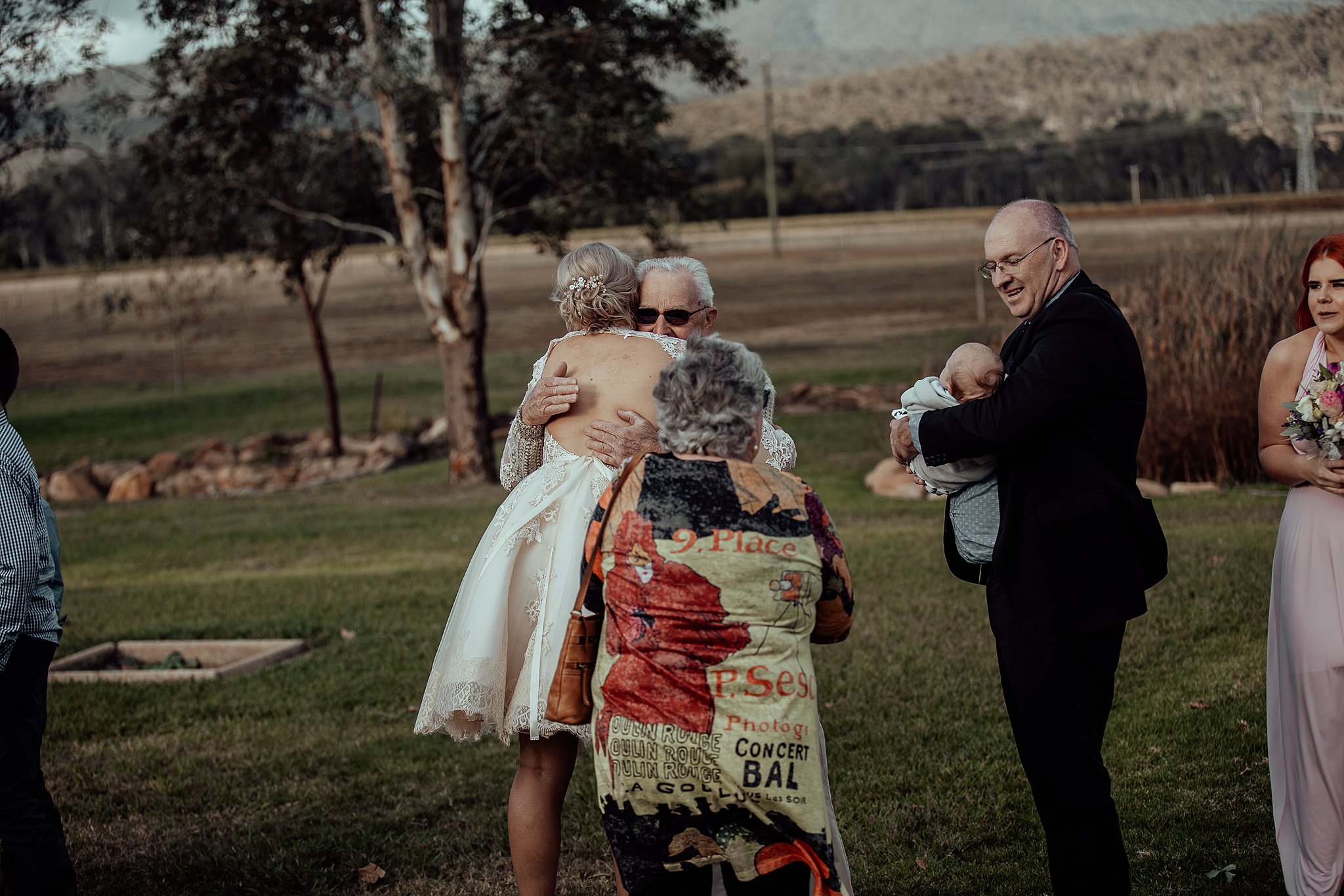 mickalathomas_puremacphotography_weddingphotographer_couplephotographer_Sheppartonphotographer_3434.jpg
