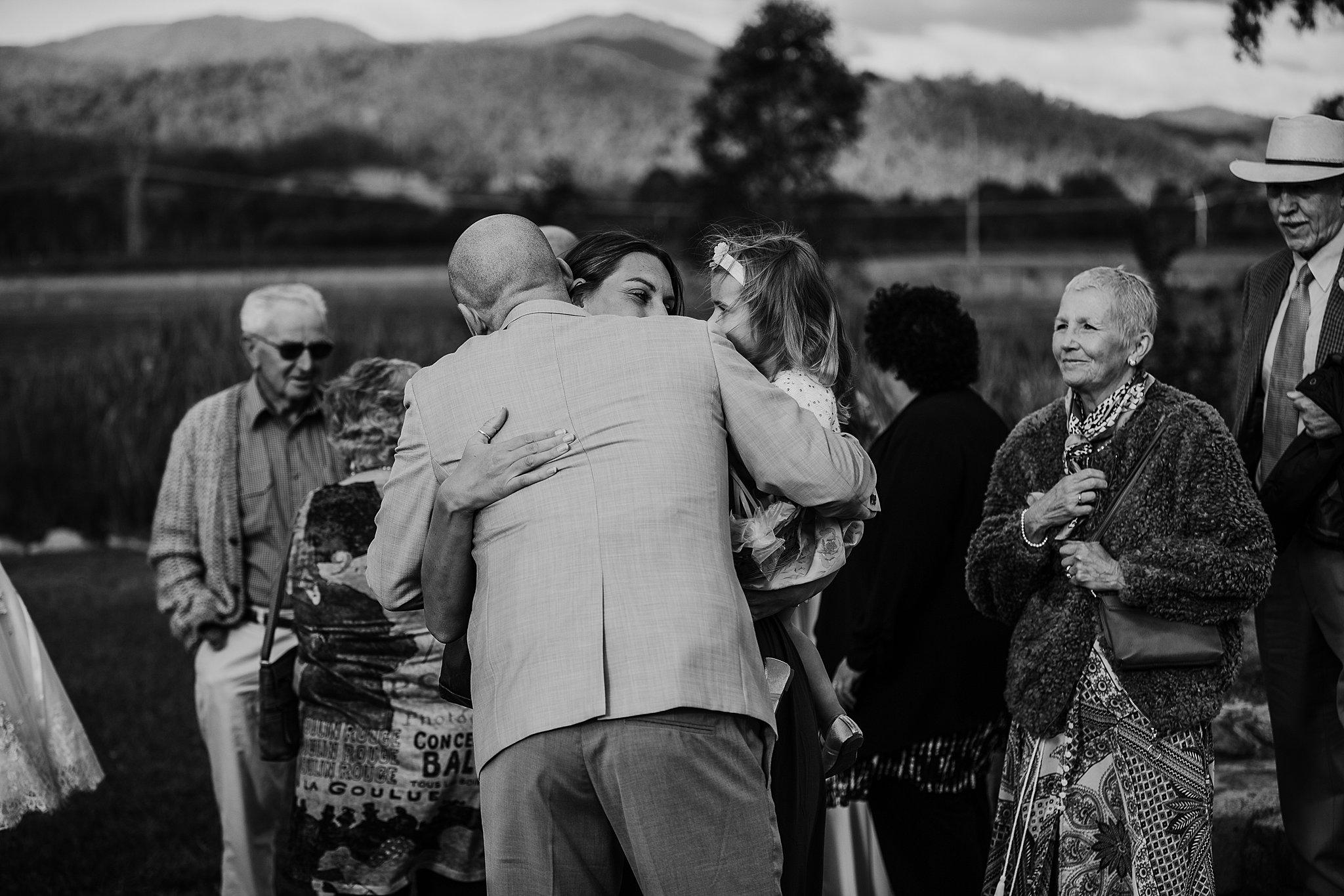 mickalathomas_puremacphotography_weddingphotographer_couplephotographer_Sheppartonphotographer_3436.jpg