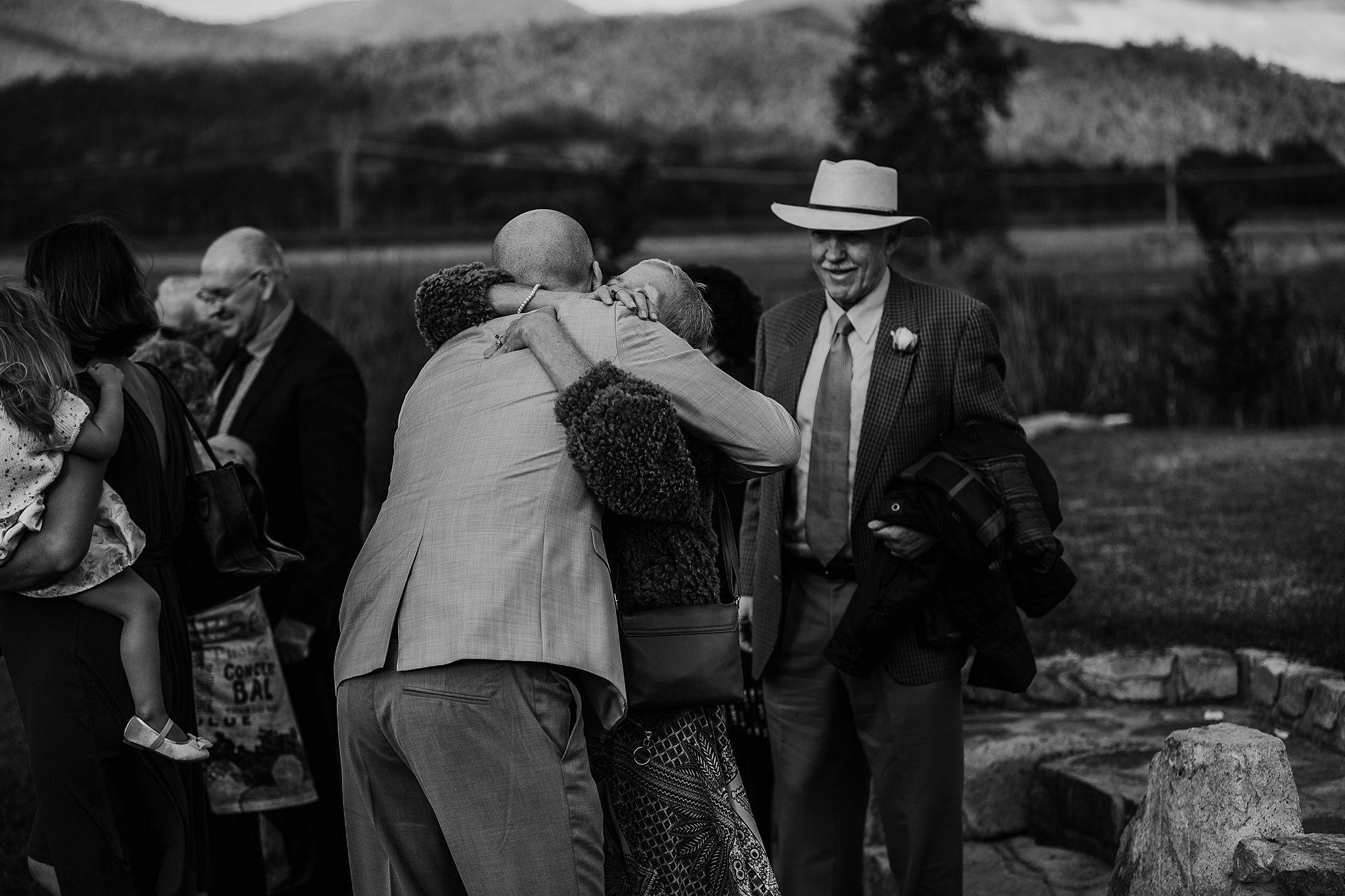 mickalathomas_puremacphotography_weddingphotographer_couplephotographer_Sheppartonphotographer_3437.jpg
