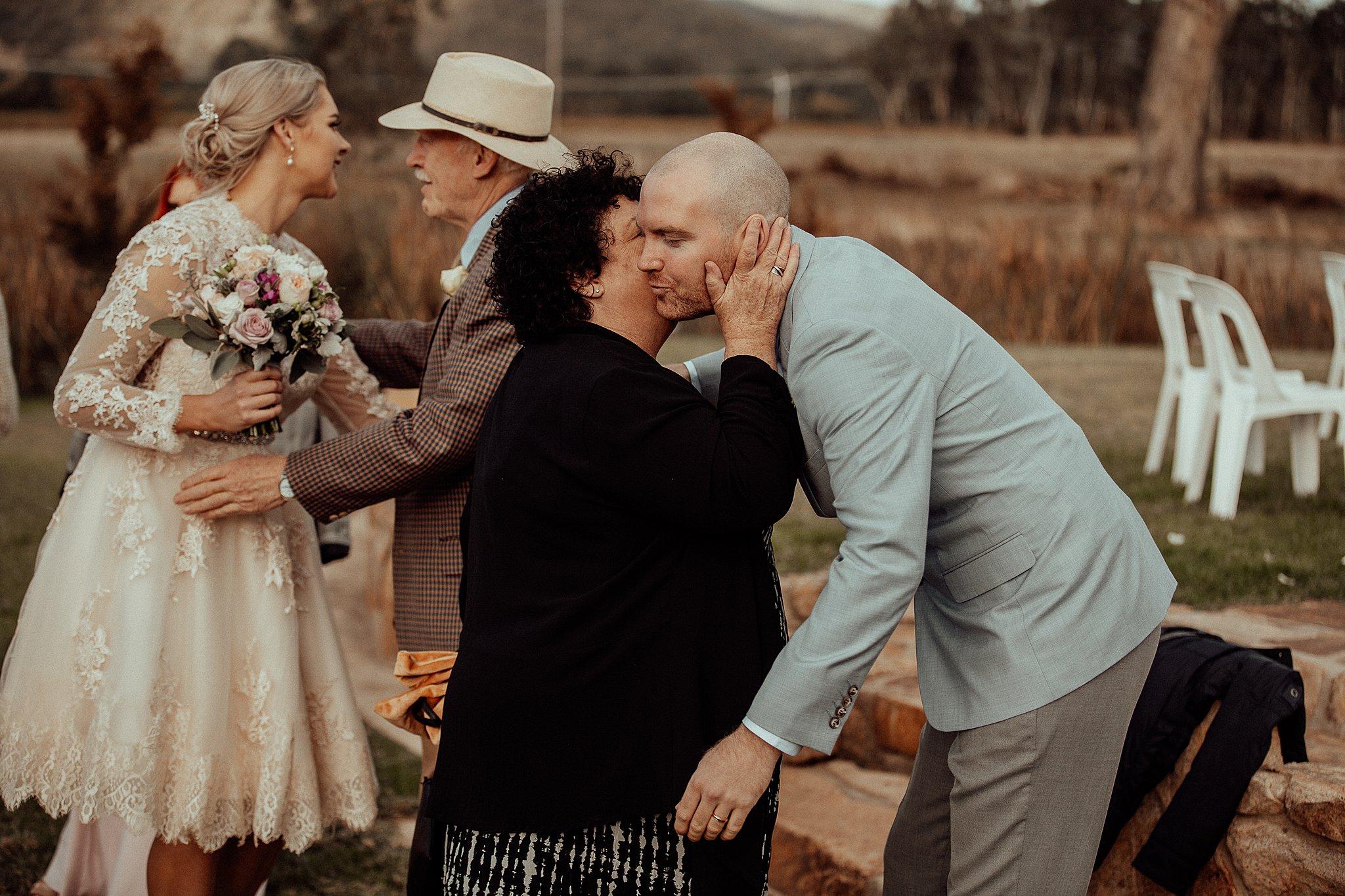 mickalathomas_puremacphotography_weddingphotographer_couplephotographer_Sheppartonphotographer_3439.jpg