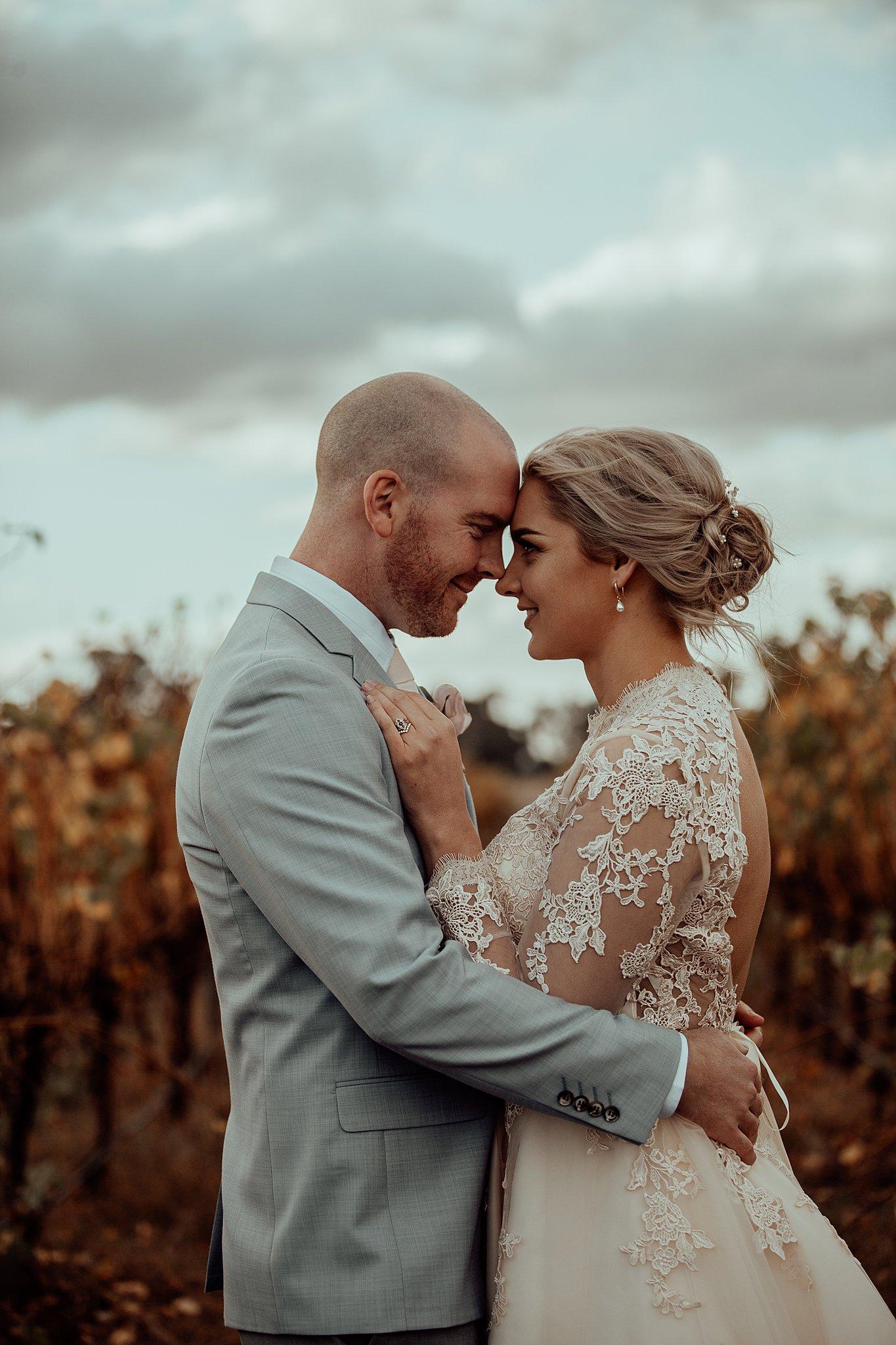 mickalathomas_puremacphotography_weddingphotographer_couplephotographer_Sheppartonphotographer_3453.jpg