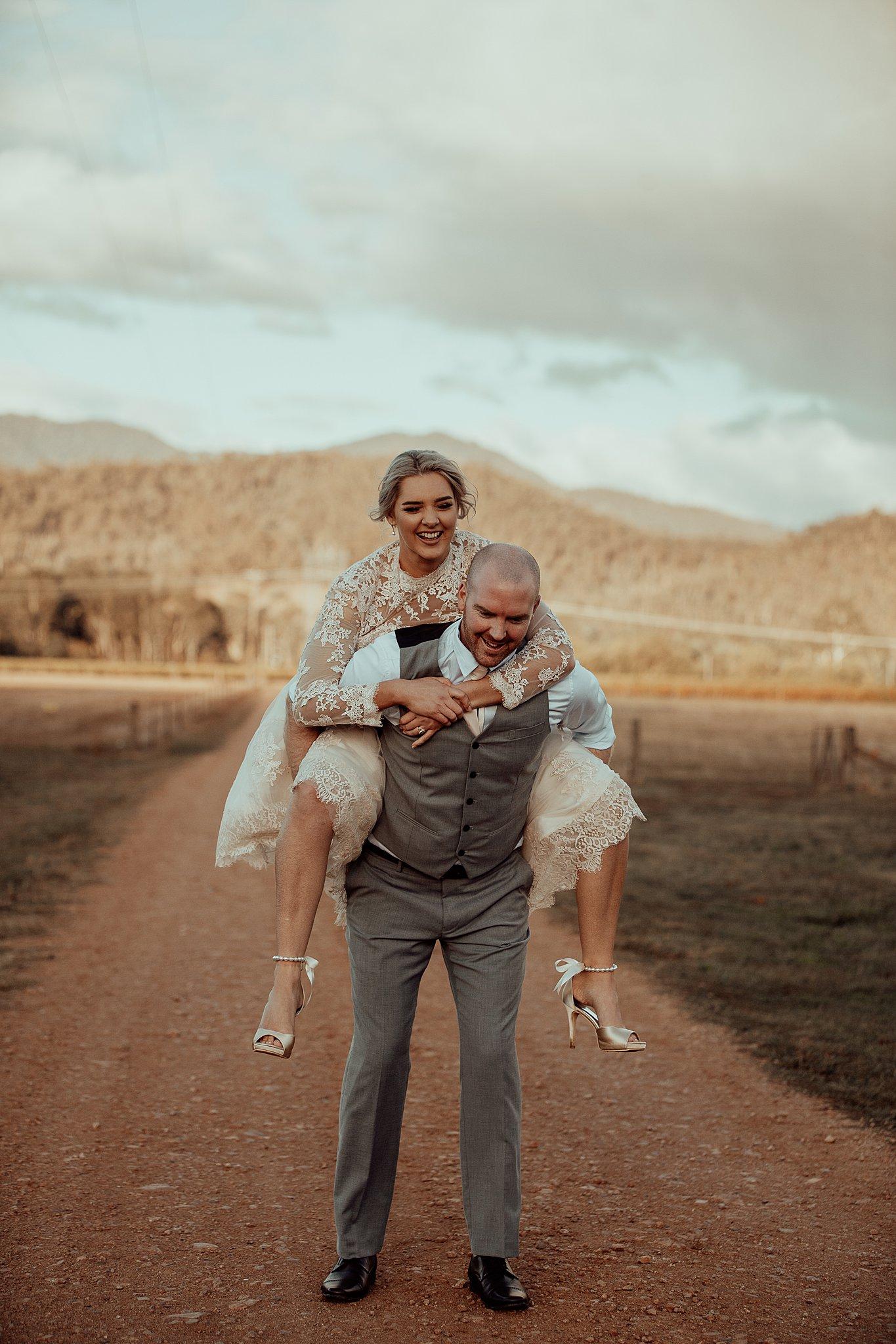 mickalathomas_puremacphotography_weddingphotographer_couplephotographer_Sheppartonphotographer_3472.jpg