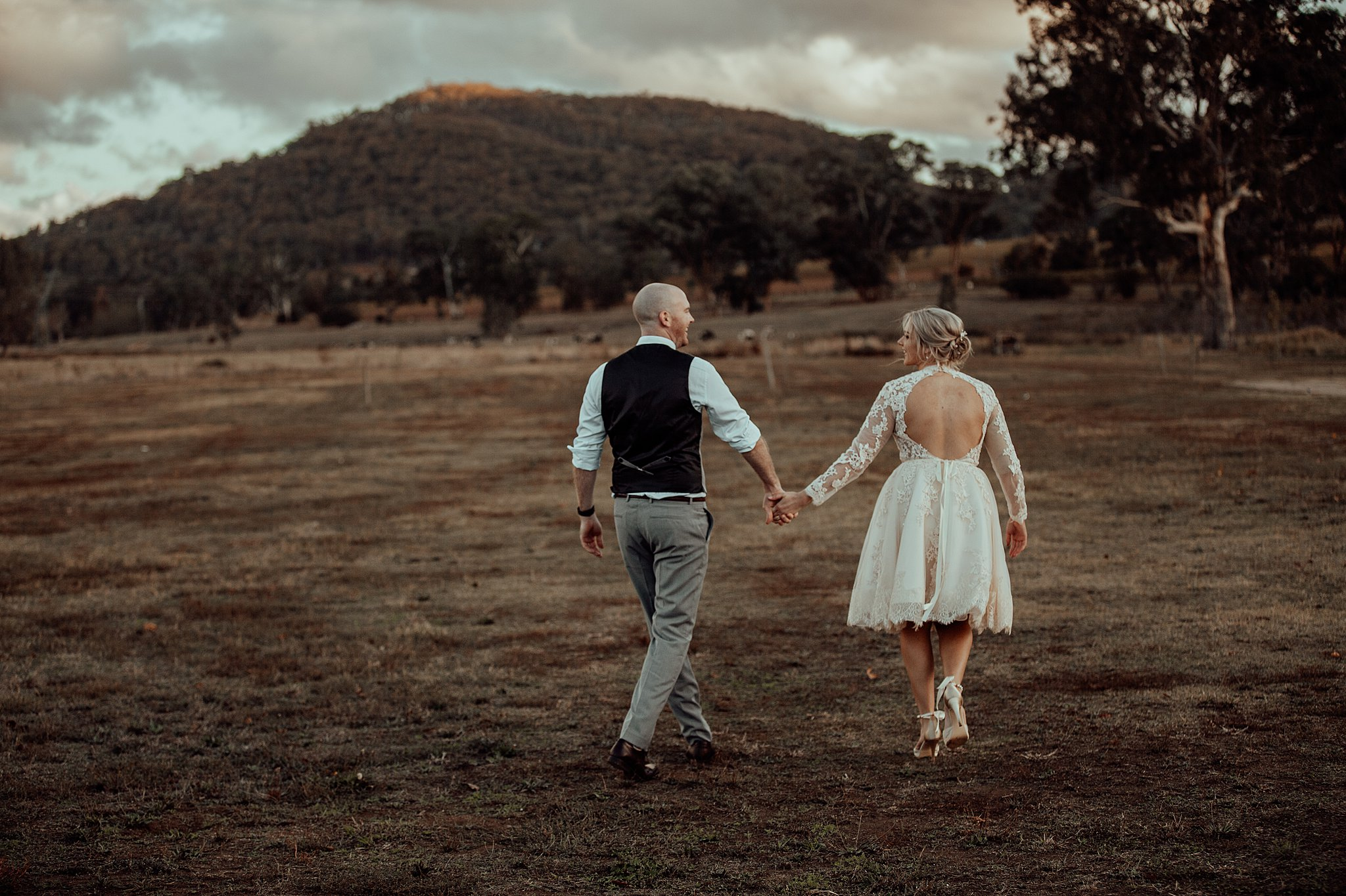 mickalathomas_puremacphotography_weddingphotographer_couplephotographer_Sheppartonphotographer_3475.jpg