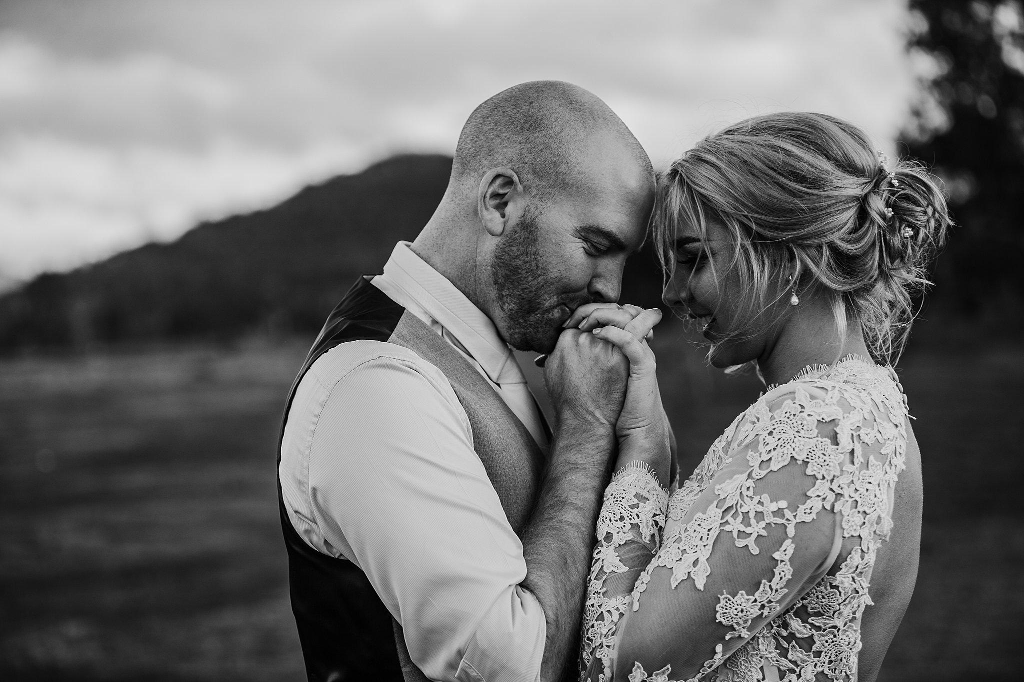mickalathomas_puremacphotography_weddingphotographer_couplephotographer_Sheppartonphotographer_3477.jpg