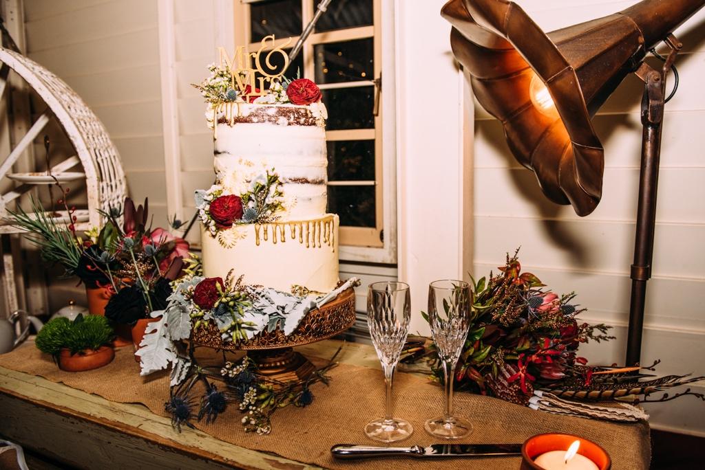 native flowers on a wedding cake at Evas Cafe