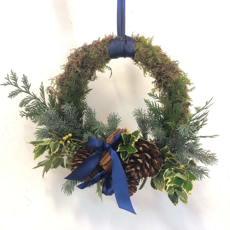 traditional Christmas wreath, by Beija Flor florists in Darwin