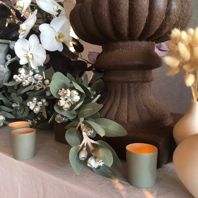 classic urn and matching pillar in antique rust finish ideal for floral styling for weddings and events in Darwin, NT