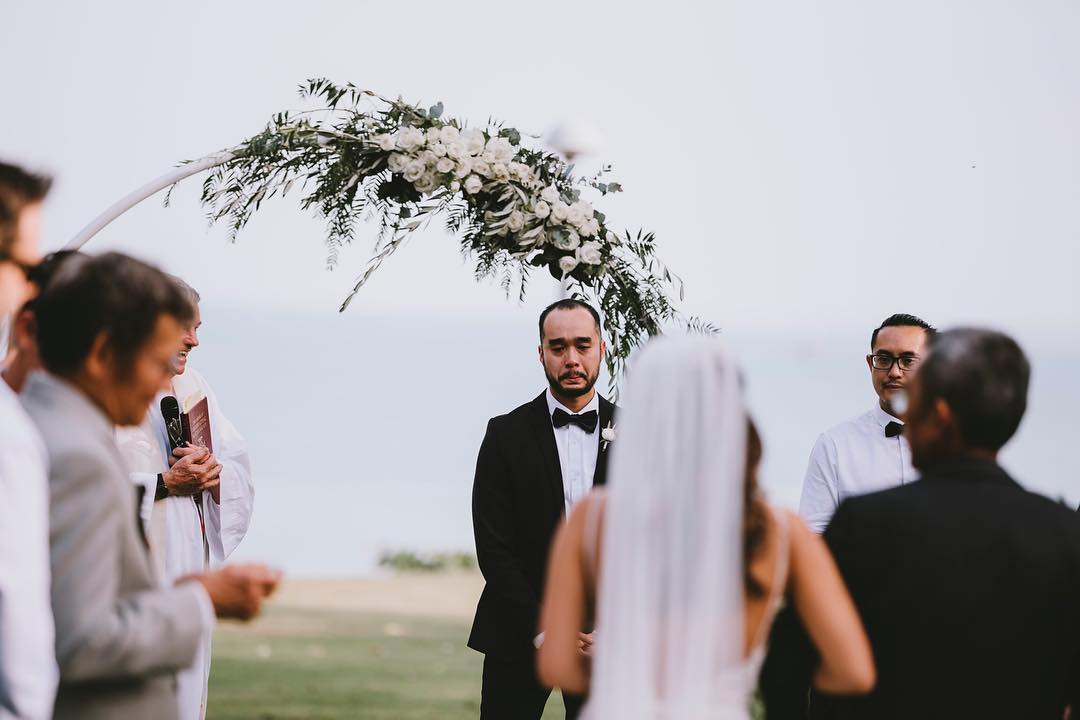 a ceremony hoop is a fresh alternative to a traditional arbour