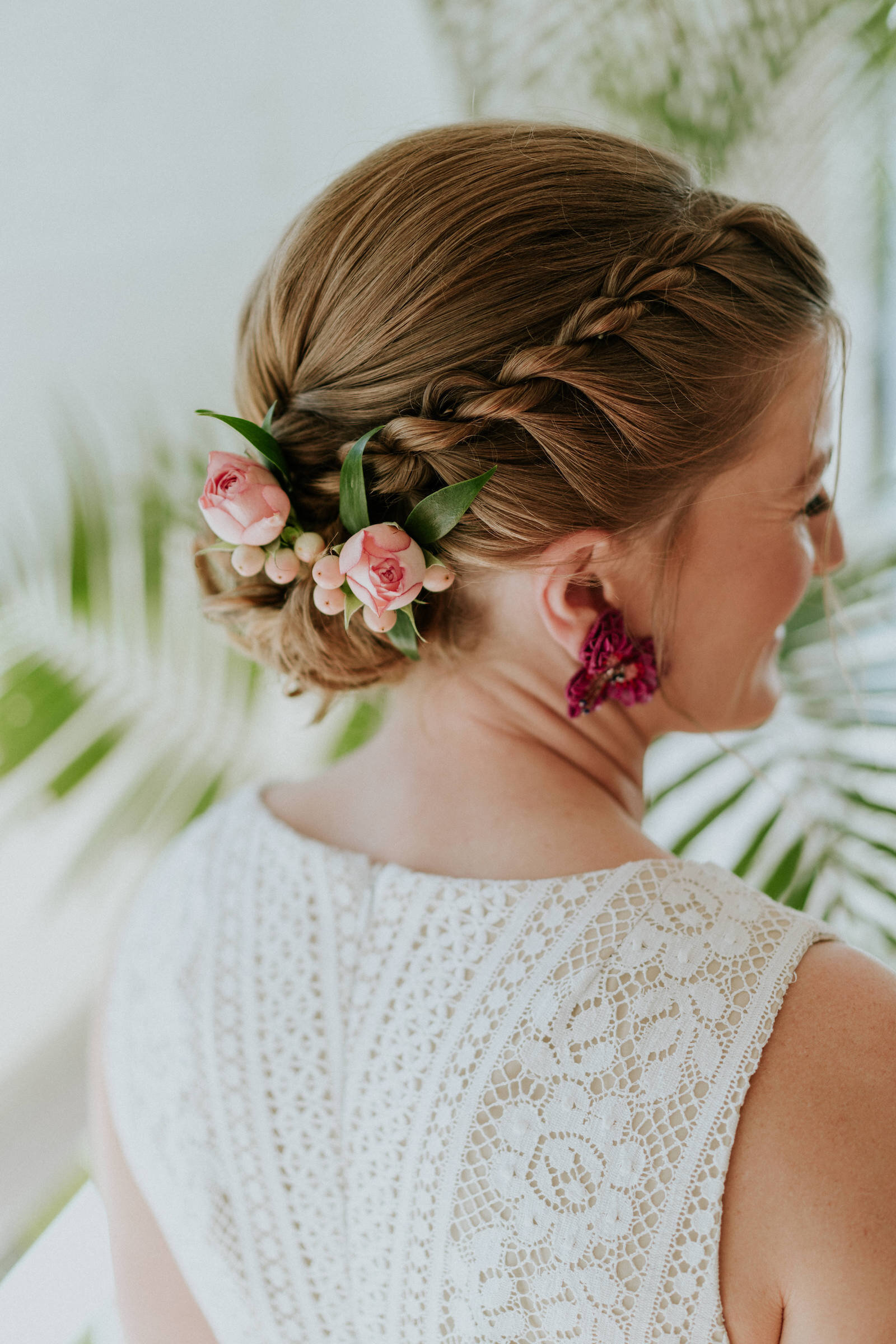 Beija Flor bridal hair flowers, photo by James Day