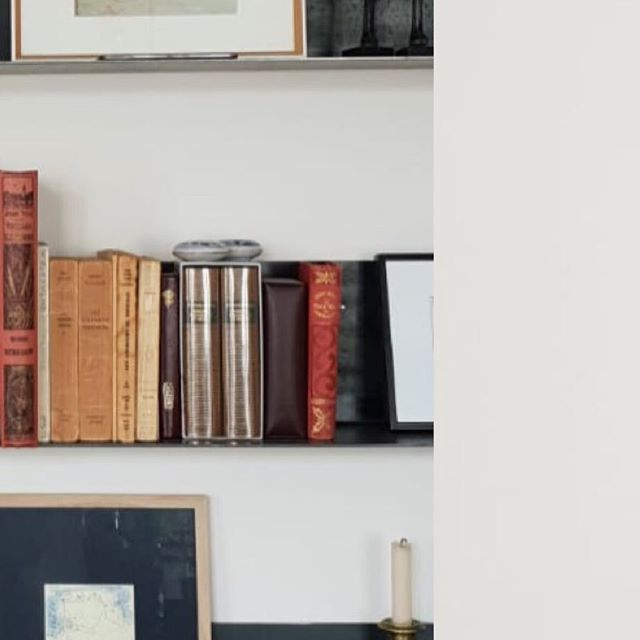 N E W - Still lovers / . . . . #commande #surmesure #appartement #paris #etagere #design #books #interiordesign #architectureinterieur #acier #still #lover #brut #pieceunique