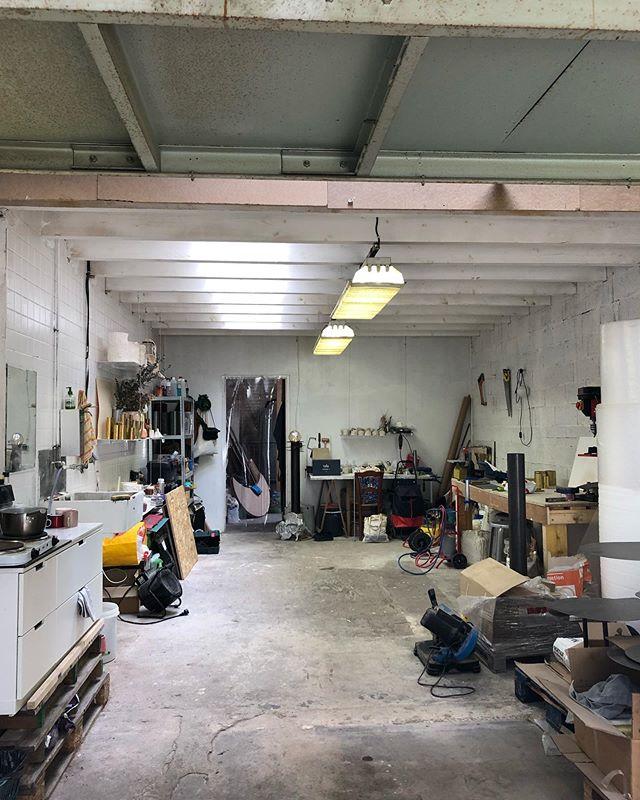 S T U D I O  V I E W  @lorfevrerie - . . . . #studioview #selfproduction #artsandcrafts #light #industrial #orfevrerie #wip #pieceunique #functionalart