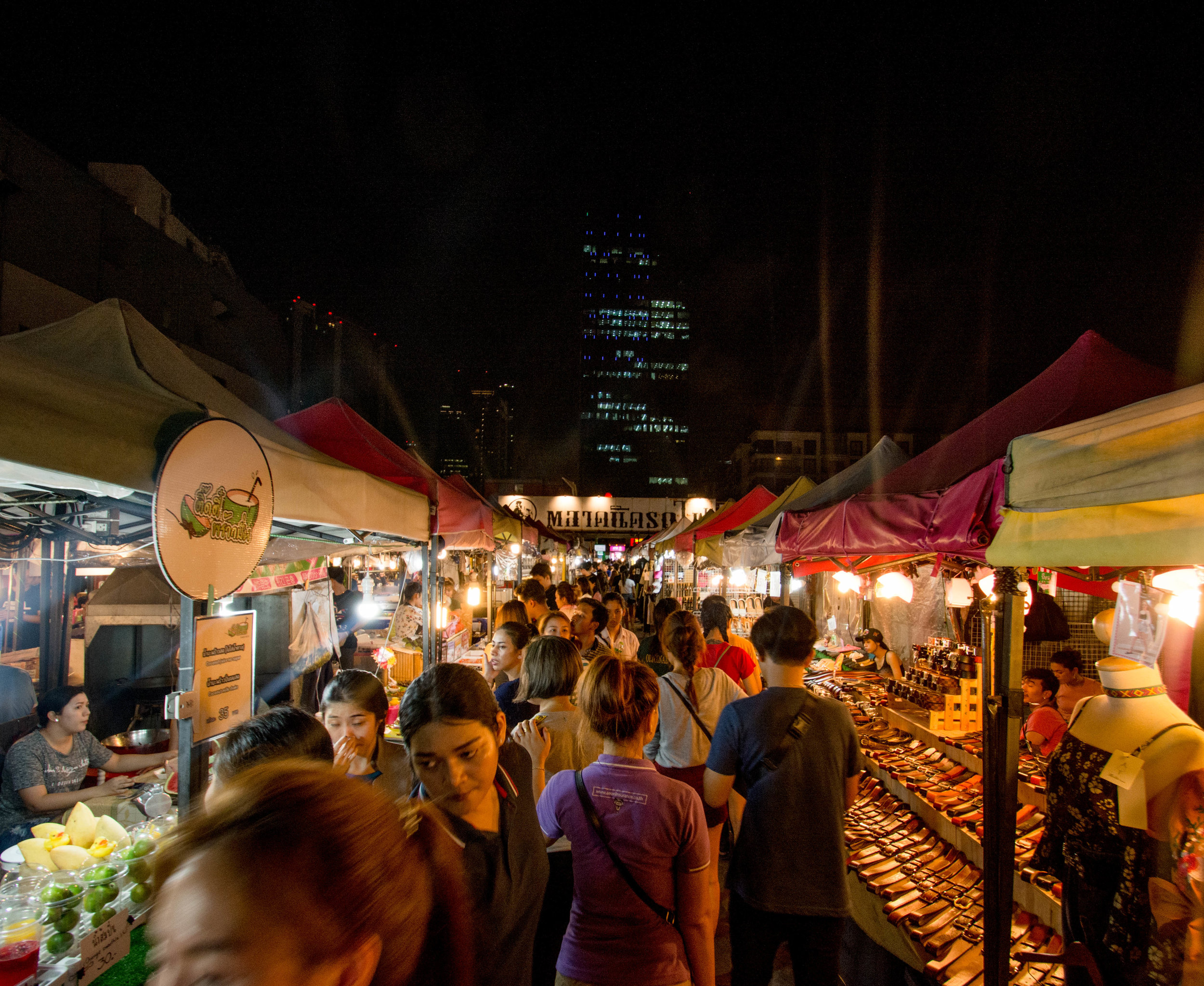 Ratchada Night Market, behind the Esplanade Shopping Mall, Din Daeng District