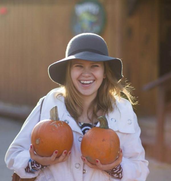Seasonal past times like pumpkin and apple picking make my heart melt from nostalgia.