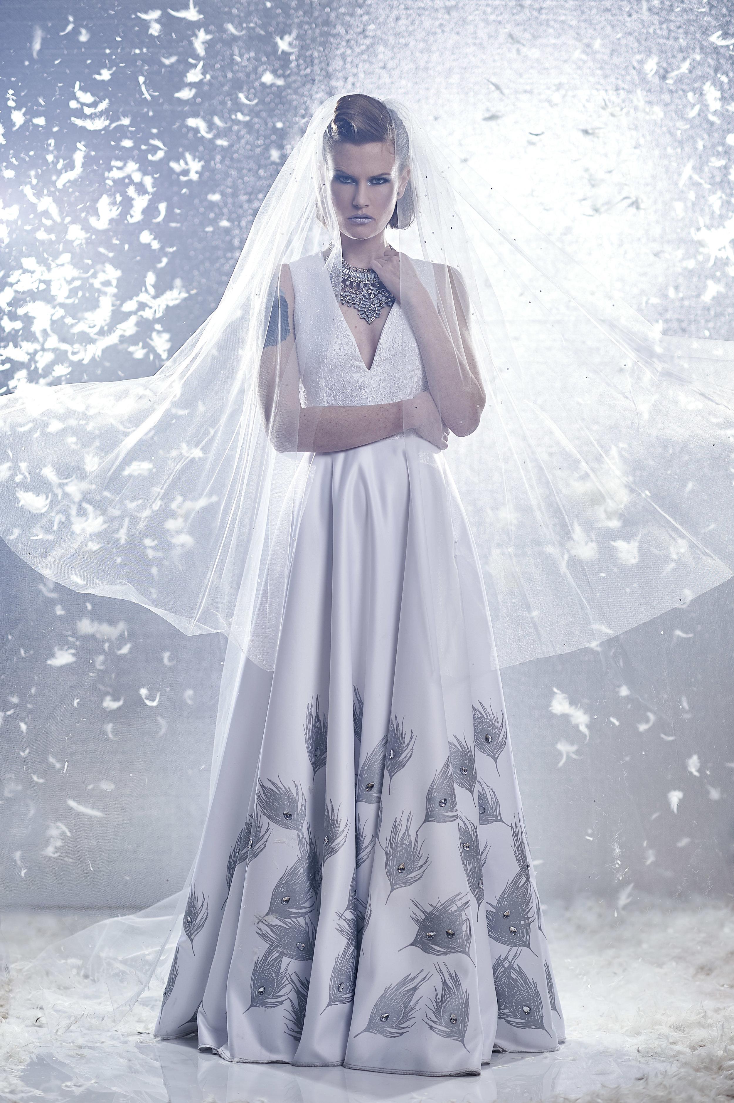 marta-hewson-fashion-urnabicity-bridal-arctic-veil.jpg