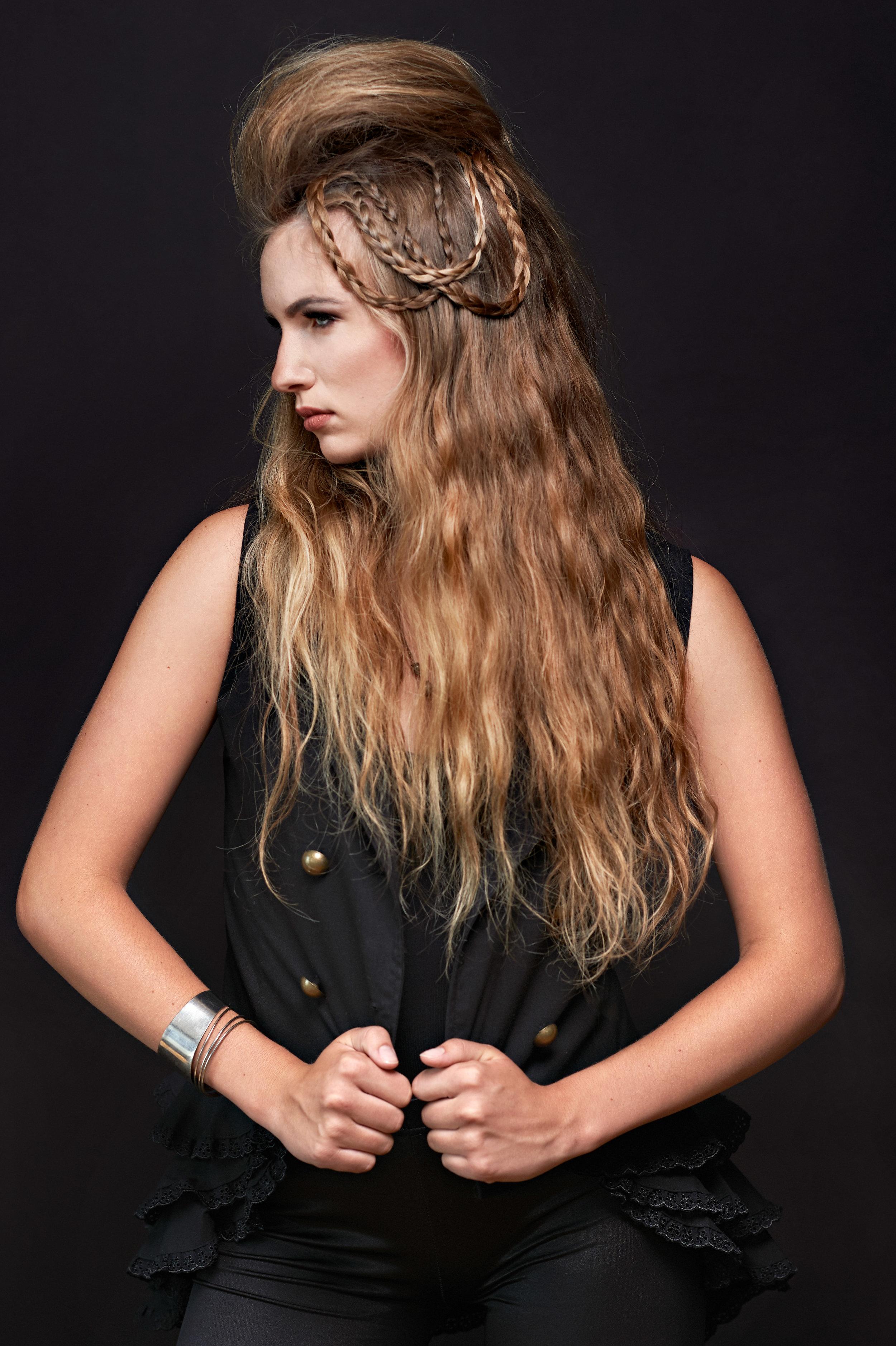 Marta-Hewson-Zoe-Stanicak-Model-Shoot-2563.jpg