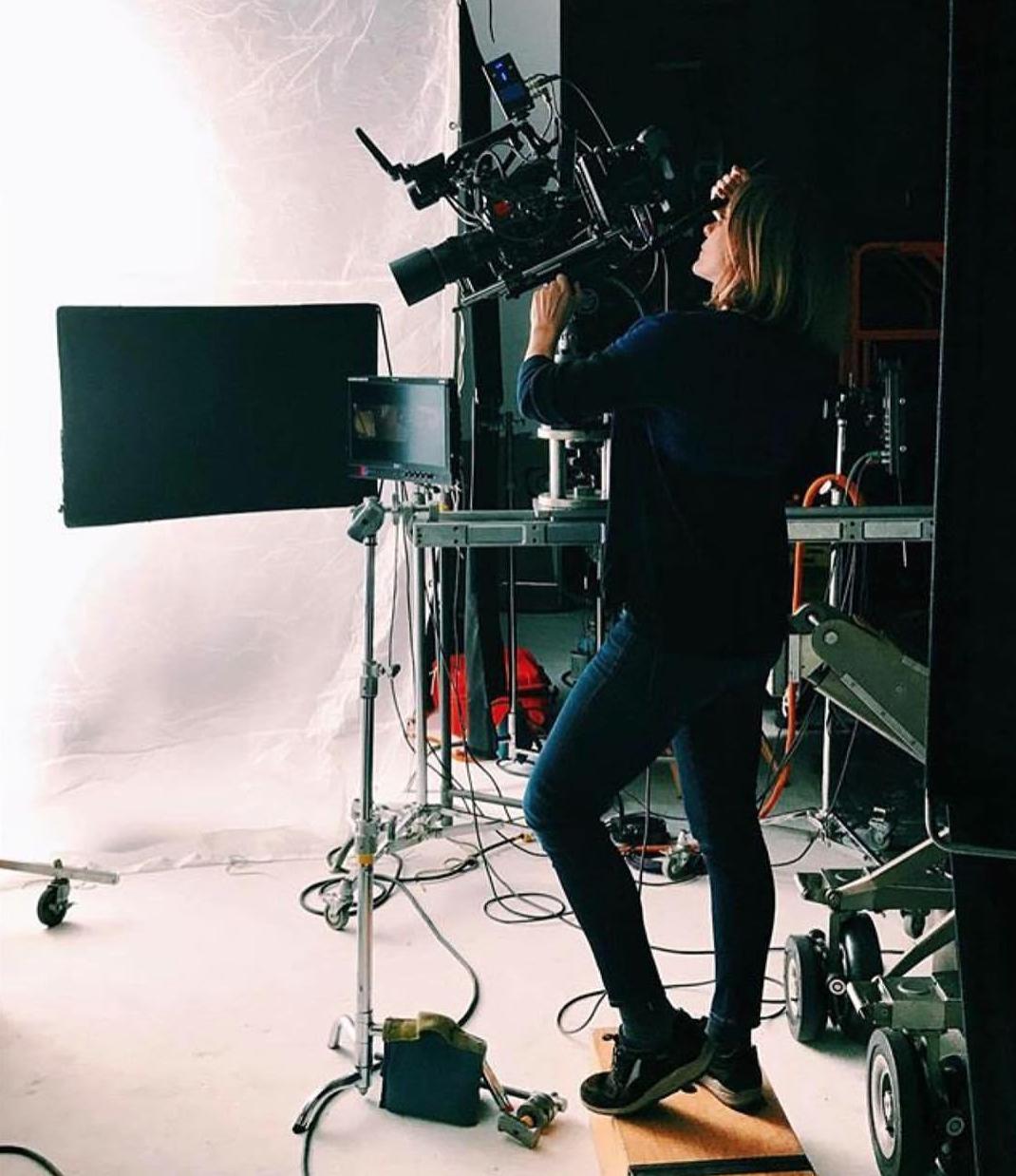 Jennifer_Davick_Behind-the-Scenes.png