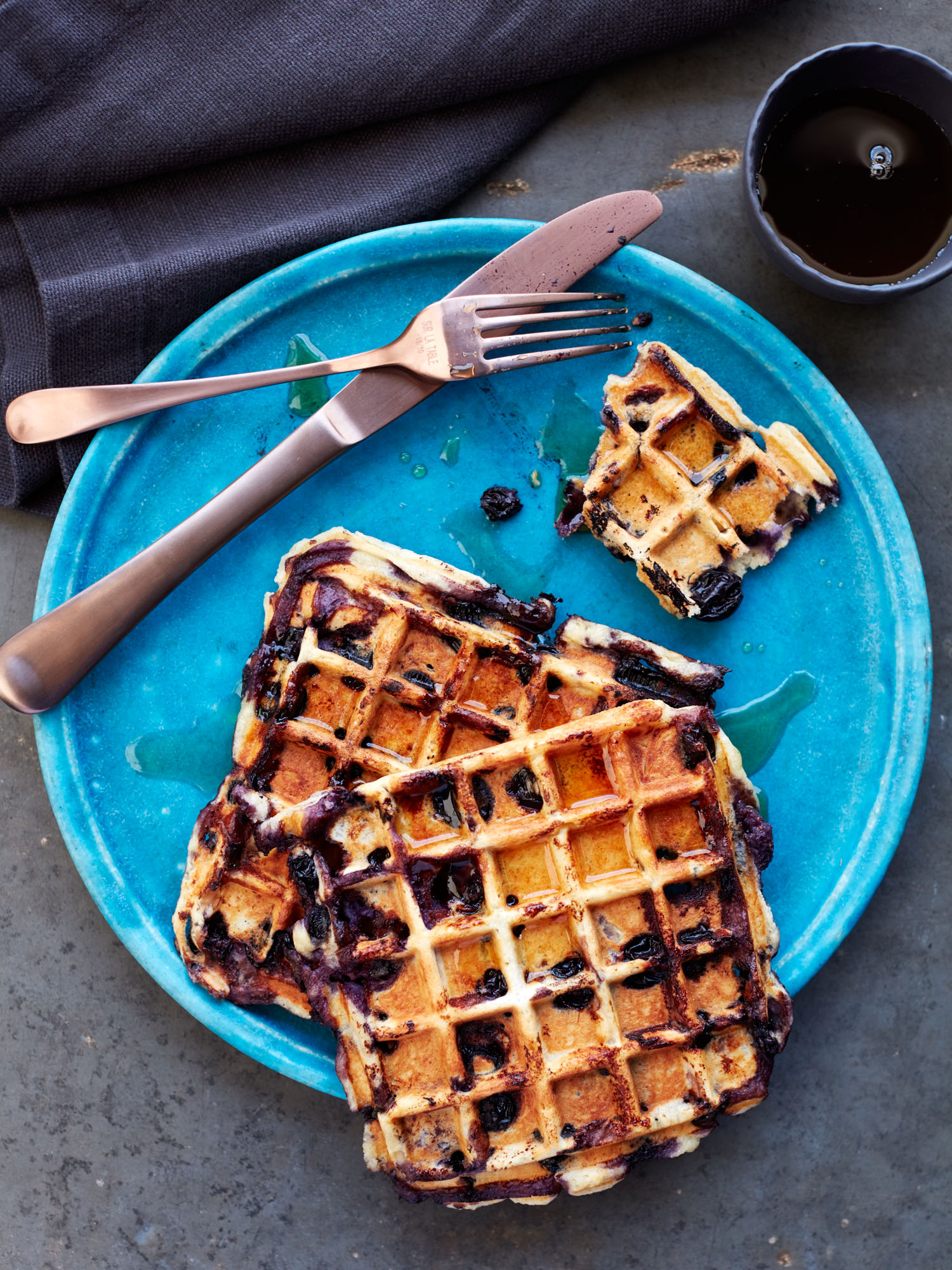 20160719_DrJulia_Blueberry-Waffles006.jpg