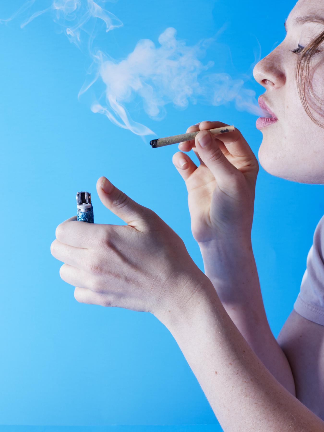 Rachel-Smoking-Weed_110.jpg
