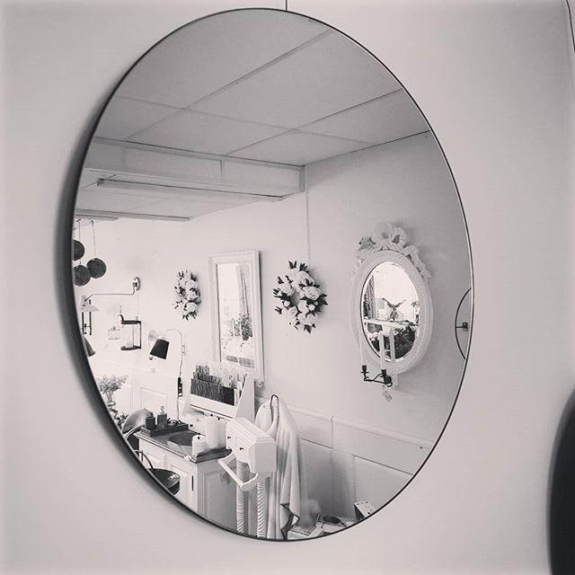 25 % på alla speglar från House Doctor. Från 50cm-110 cm