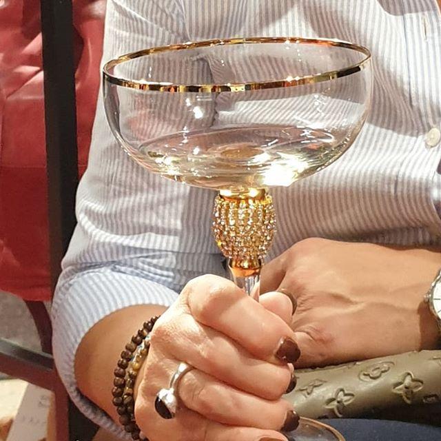 Vad sägs om champanje i dessa glas?