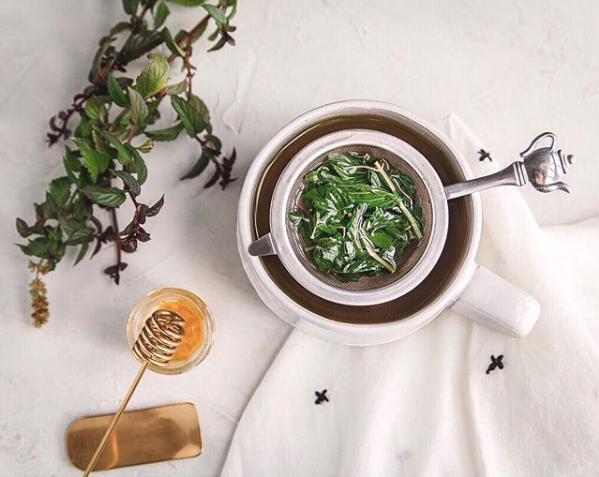Fresh mint and honey tea