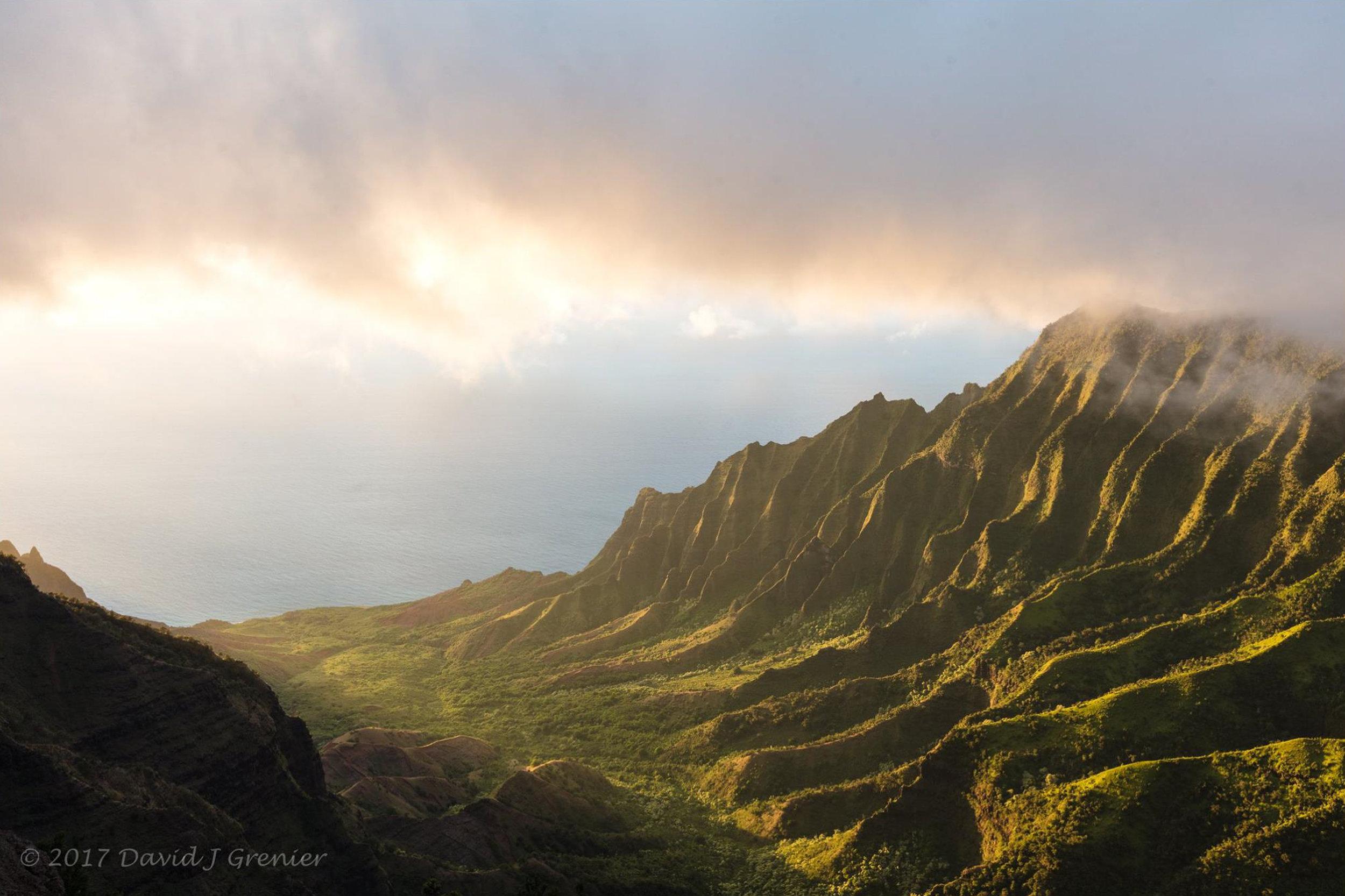 July 16, 2017, Kalalau Valley, Kauai, HI; exp. 1/6 sec @ f/11; 24-105mm lens @ 29mm; ISO 160