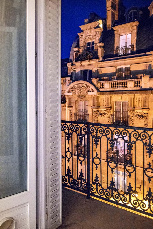 I stayed in a quiet boutique hotel Best Western Paris Gare St. Lazare. <3 This window view was sooo pretty!