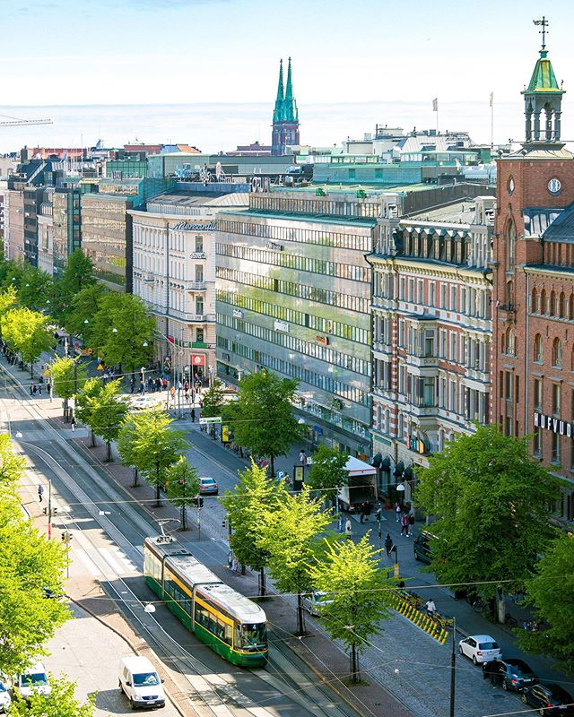 ✨ Helsinki is green and fresh 😍✨ This summer I will show you what Helsinki is and starting all my texts with #Helsinkiis 💛☀️ PS. I also have something excited to tell about #ColorfulHelsinki & @ColorfulHelsinki next week 🙌🏻🎈 Have a beautiful day! 👋🏻✨
