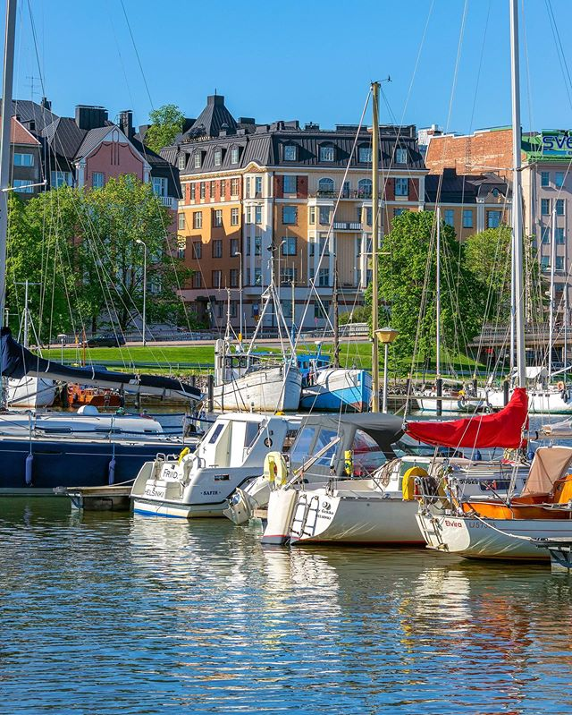 ✨ Helsinki is ready to sail ⛵�✨ Good Monday world 🥳☀� #ColorfulHelsinki #Helsinkiis