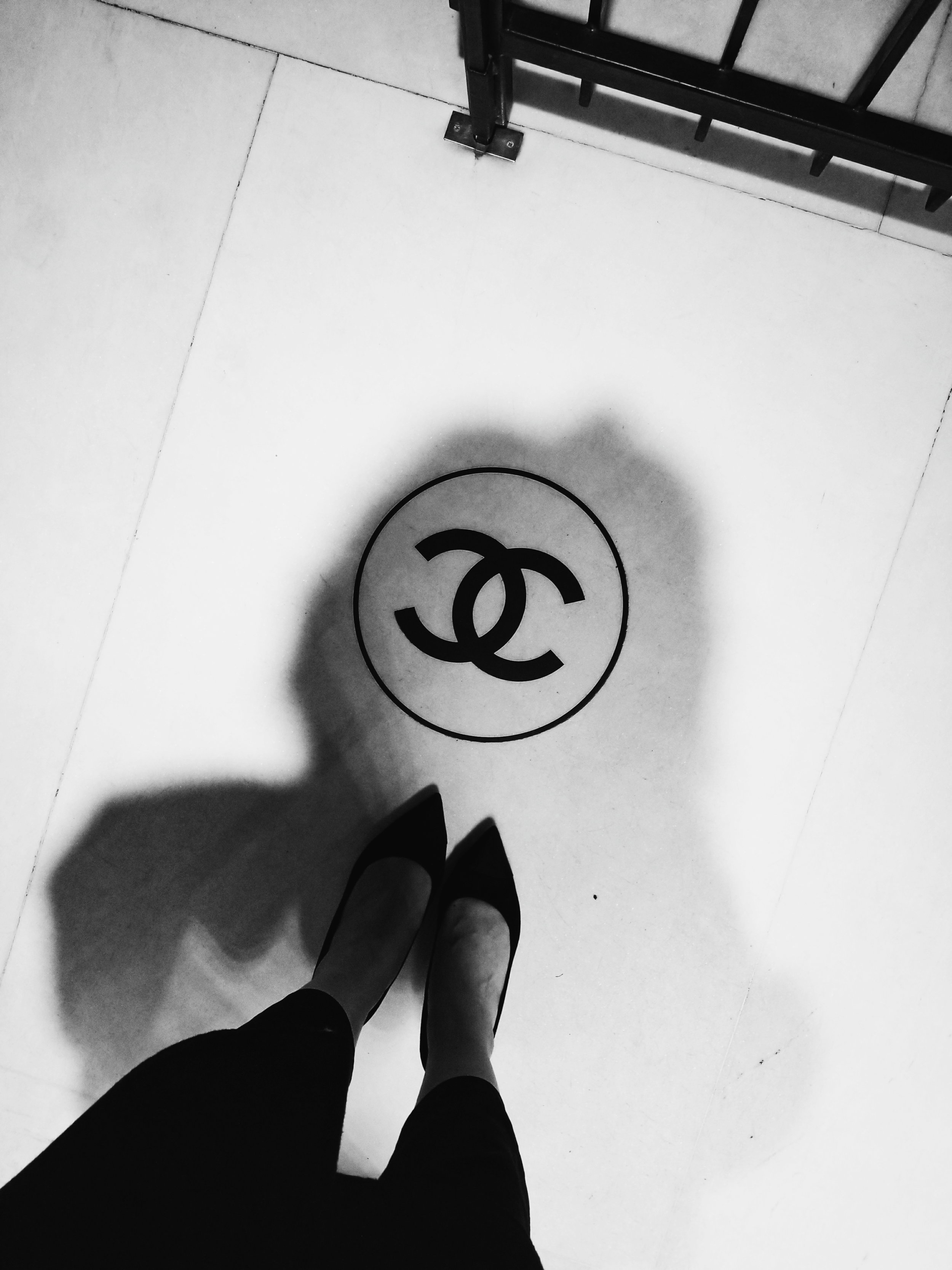 postcards-from-paris-chanel-apartment-01.jpg