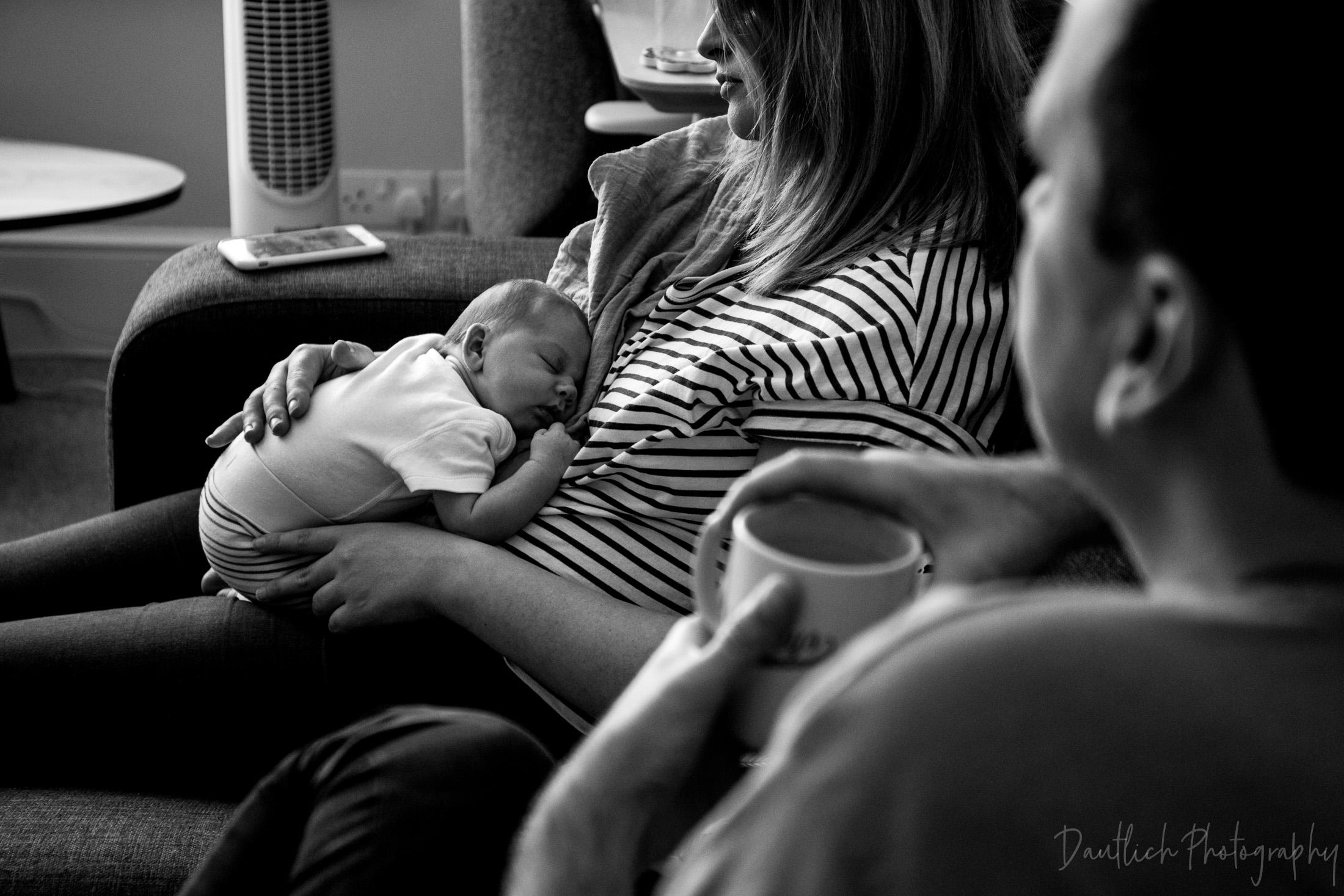 Natural-newborn-photographer-sussex-brighton-14.jpg
