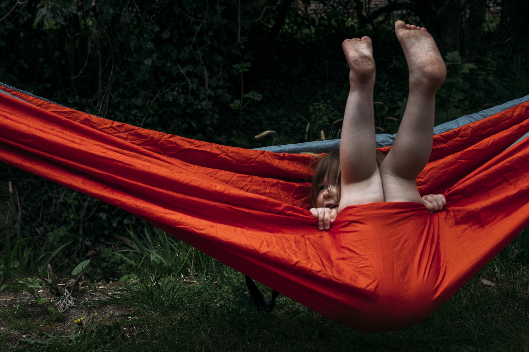 hammock dirty feet family photography.jpg