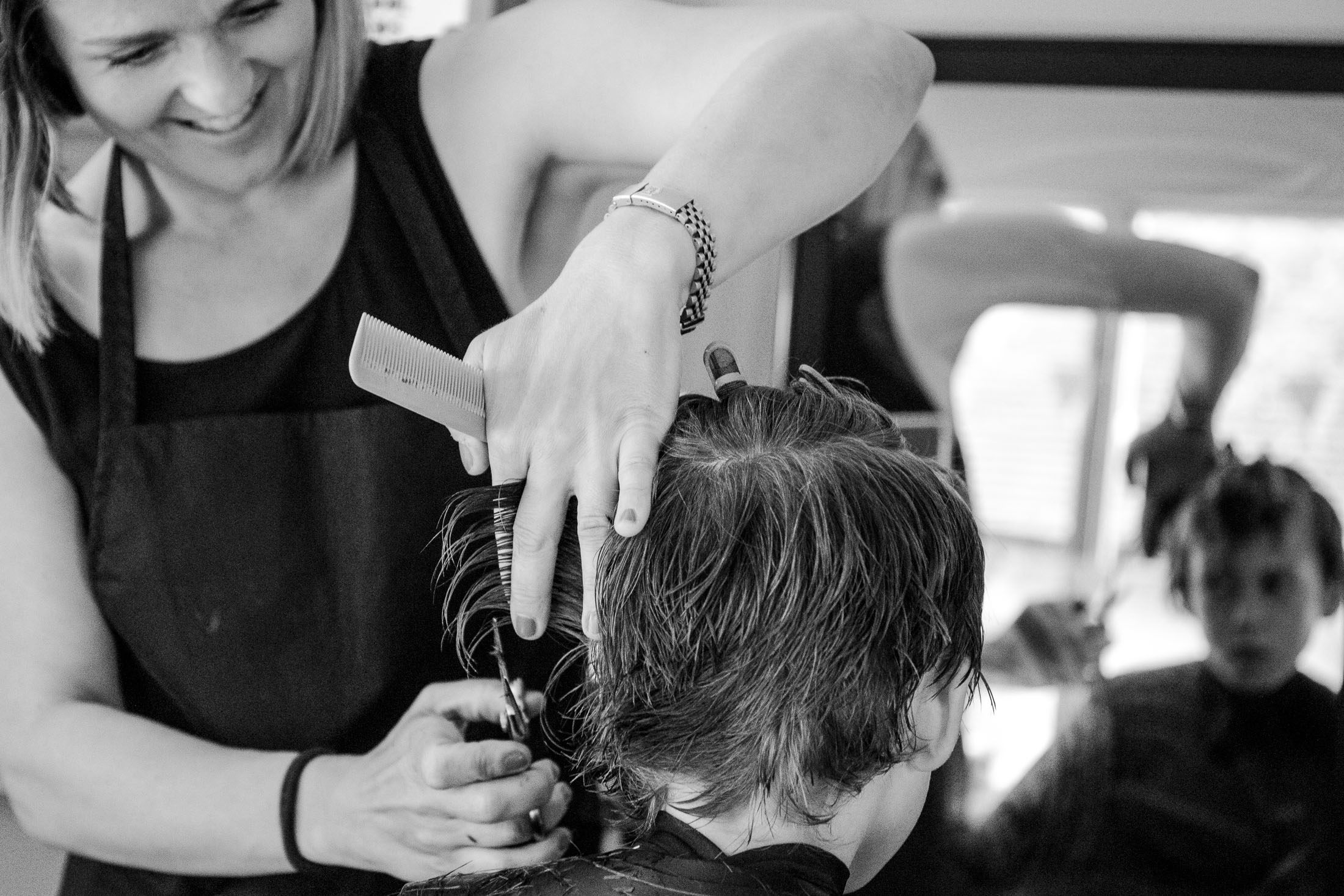 Commercial_photography_hair_and_makeup_cutting_bw.jpg
