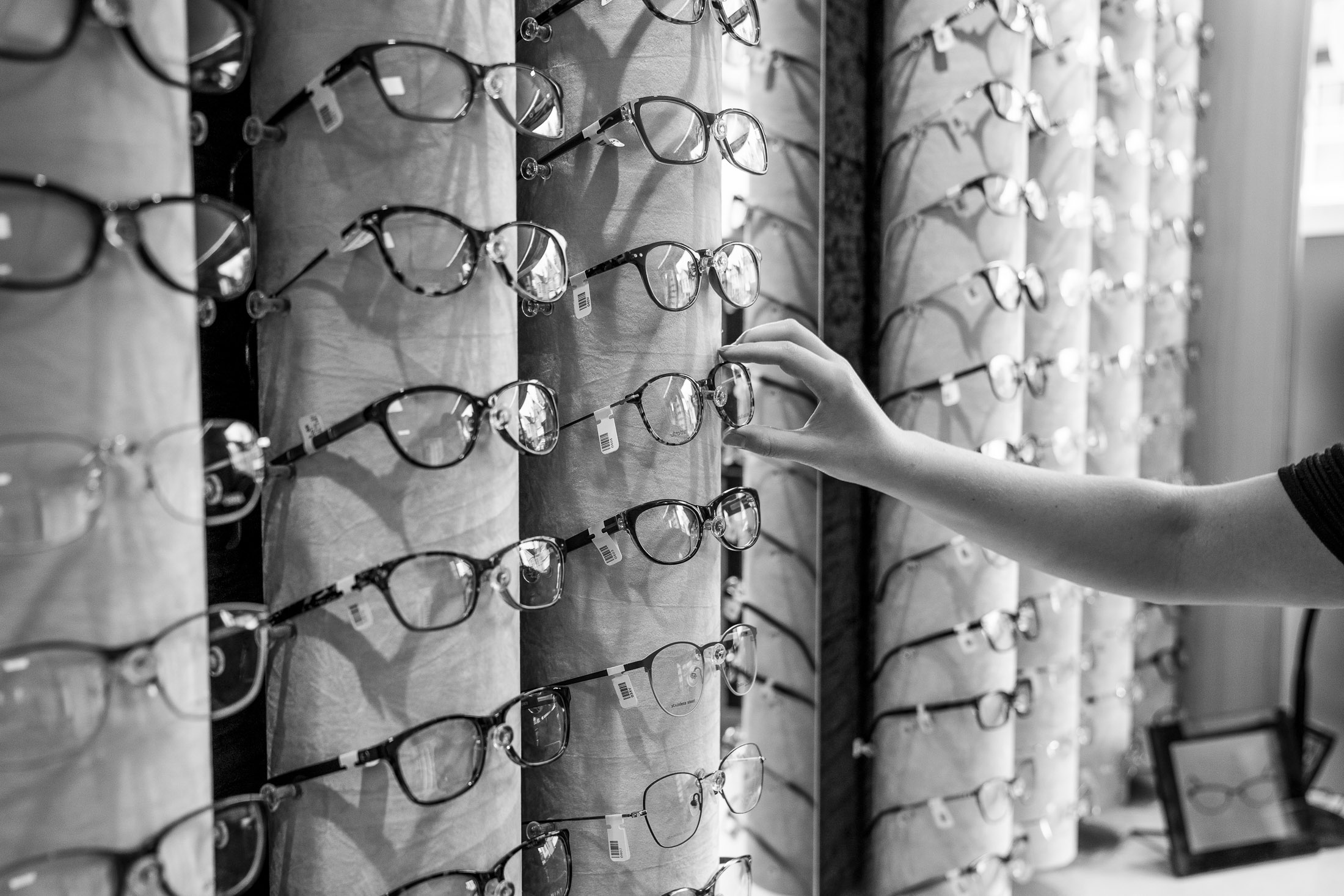 Commercial_photography_optometrist_glasses_wall.jpg