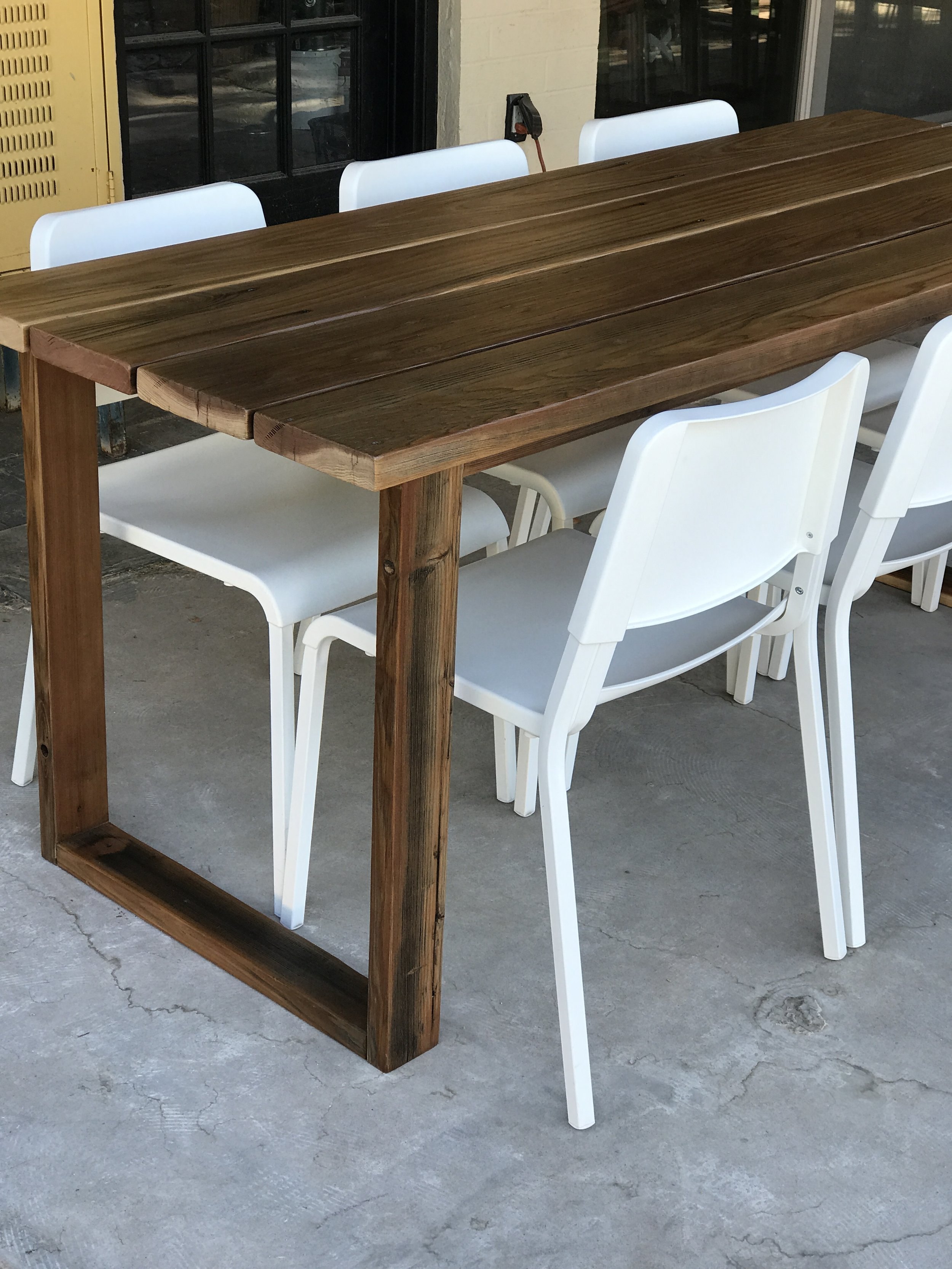 DIY Simple Outdoor Dining Table_3238.JPG