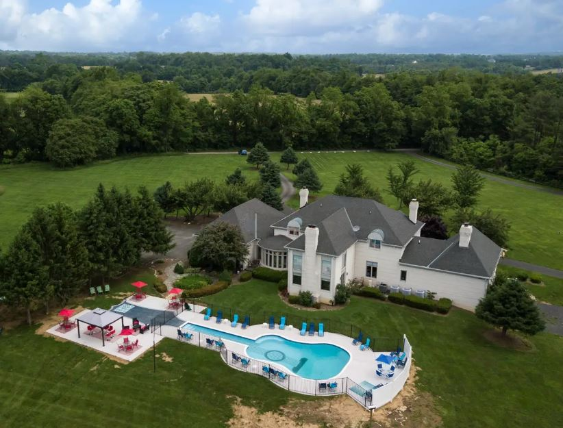 Purcellville Pool Arial View.JPG