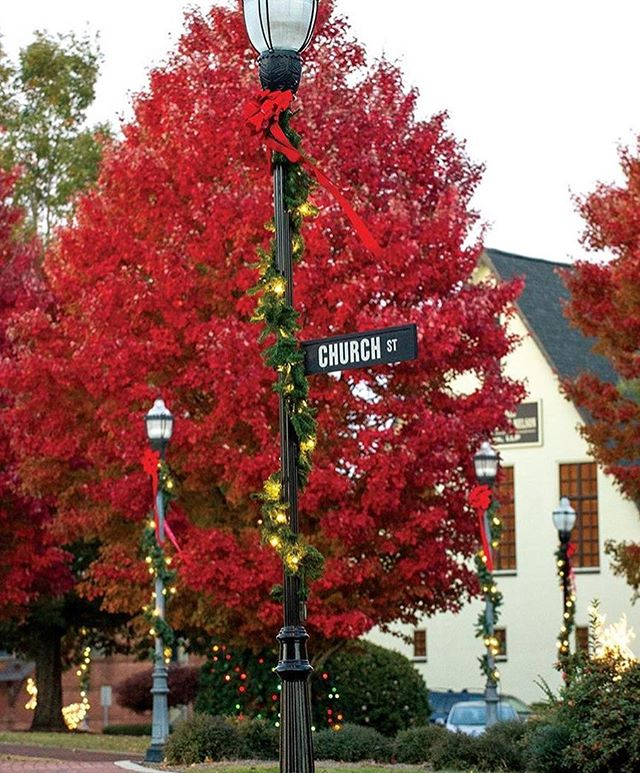 Thanks to the @alexcityoutlook for this beautiful photo of #downtownac  its beginning to look a lot like Christmas!