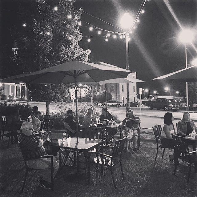 Plaza nightlife #mainstreetac #mainstreet #downtown
