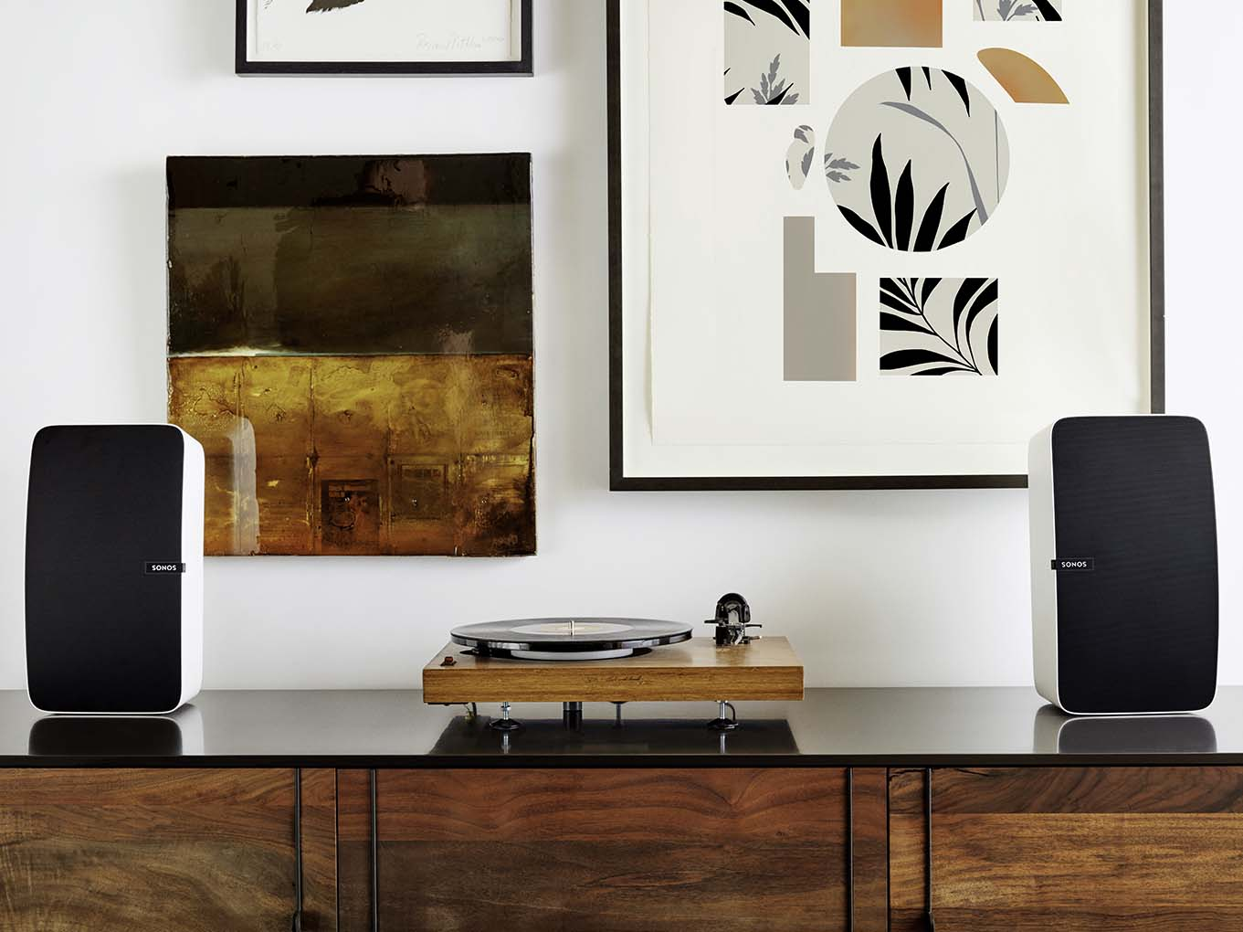 Home-Audio-Systems-Sonos-Play-5-speakers-record-player