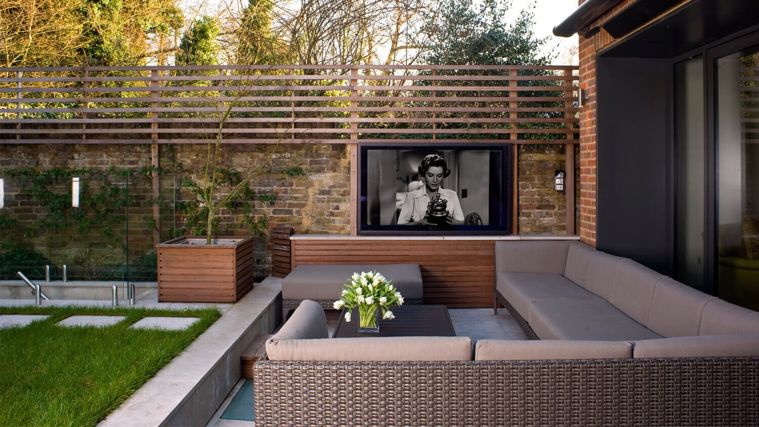 Luxury_Home_Automation_Future_Automation_Television_Lift_Outdoor_Entertaining_Space_Chiswick_W4