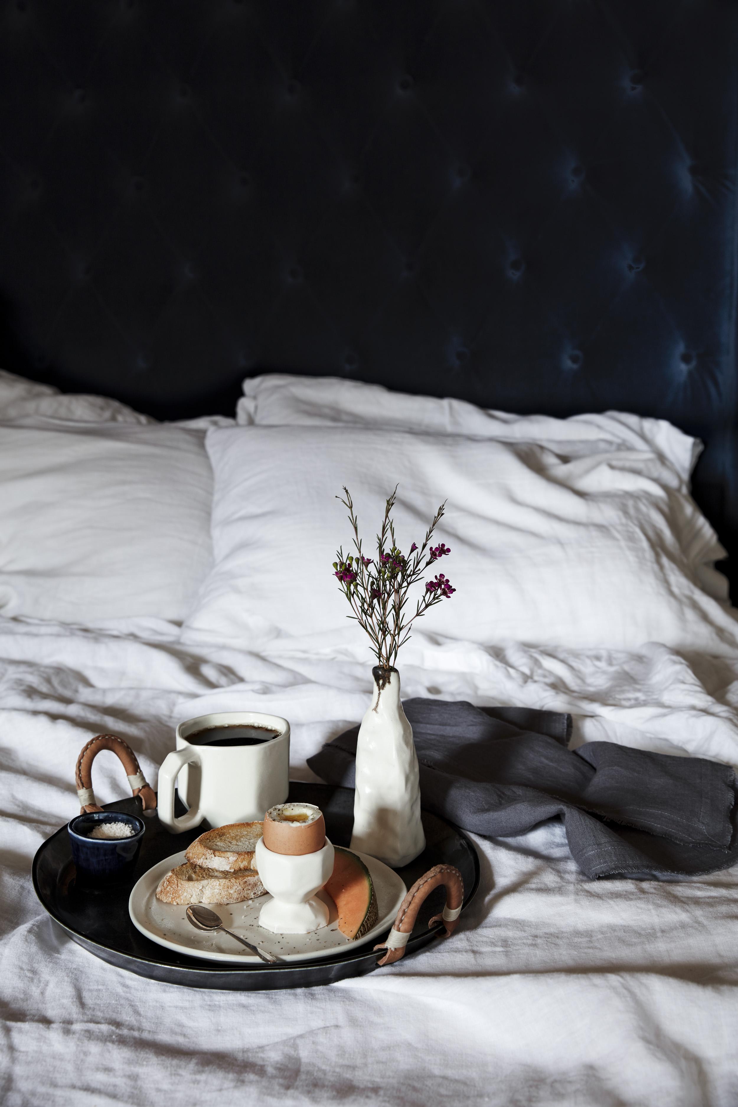 28_Spring_Breakfast_in_bed_1.jpg