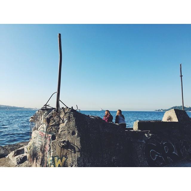 Daydreaming by the Bosphorus #AllDayIDreamOfIstanbul #Bosporus #Bosphorus  #istanbul #turkey #neveraboringmoment #passionpassport #travelbug #travel #theurbanexpat #instaistanbul #instatravel #insta #instabest #instagood #vsco #vscocam #vscobest #vscotravel #vscoistanbul #mytinyatlas #TellOn #liveby #WidenYourWorld #LoveFromTurkey @turkishairlines (at Fındıklı Sahili)