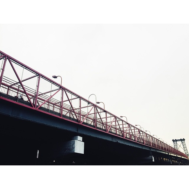 Ascending towards Manhattan #williamsburgbridge #instabest #instagood #instawilliamsburg #vscocam #vscobest #vsco #architecture #bridges #newyork #nyc  (at Williamsburg Bridge)