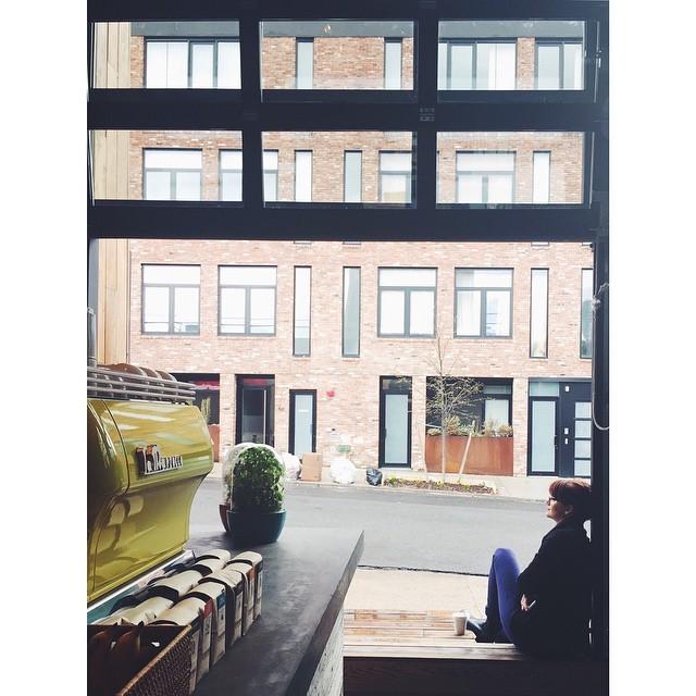 Coffee break #freeholdbrooklyn #williamsburg #instabest #instagood #instawilliamsburg #coffeehouses #myfavoriteplaces #vsco #vscocam #vscobest #nycmoments  (at FREEHOLD Brooklyn)