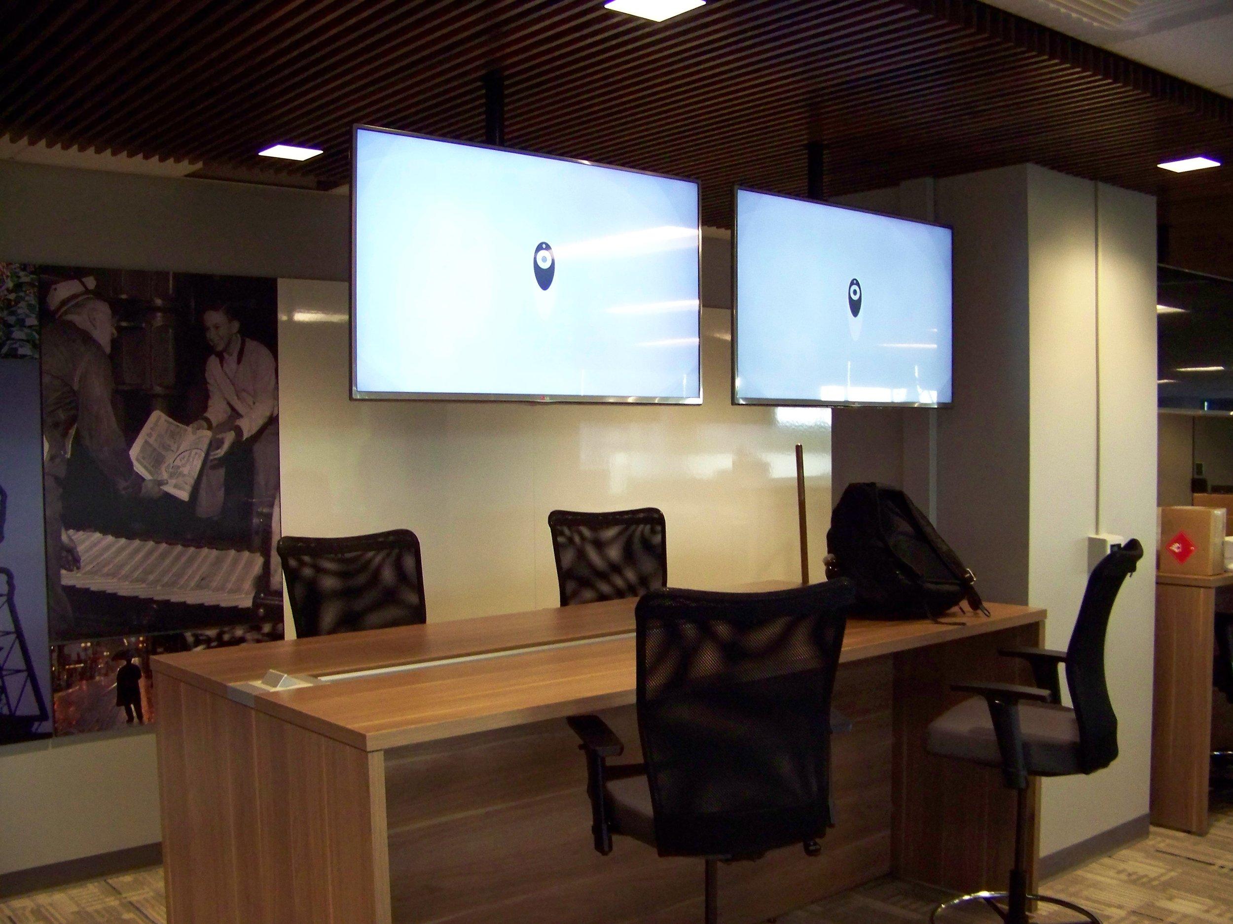 Oregonian floating screens.JPG