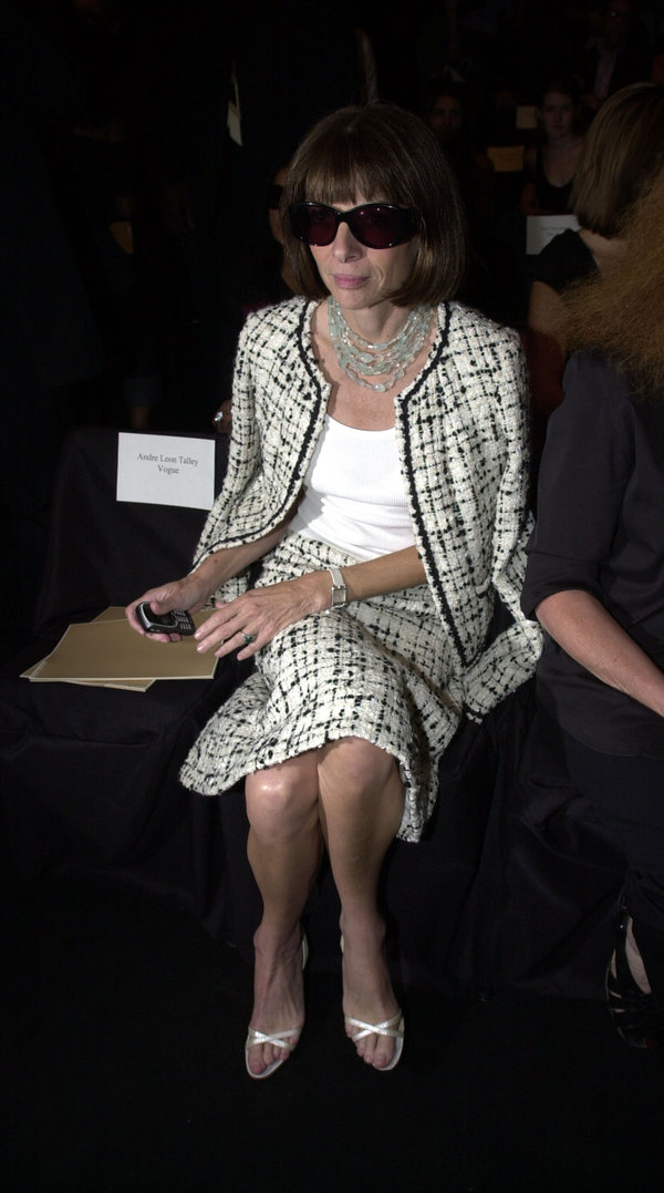 Anna Wintou 2002 - Getty Images.jpeg