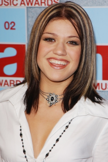 Cringeworthy Beauty Trends From Our Awkward Years - OPENLETR 8.jpg