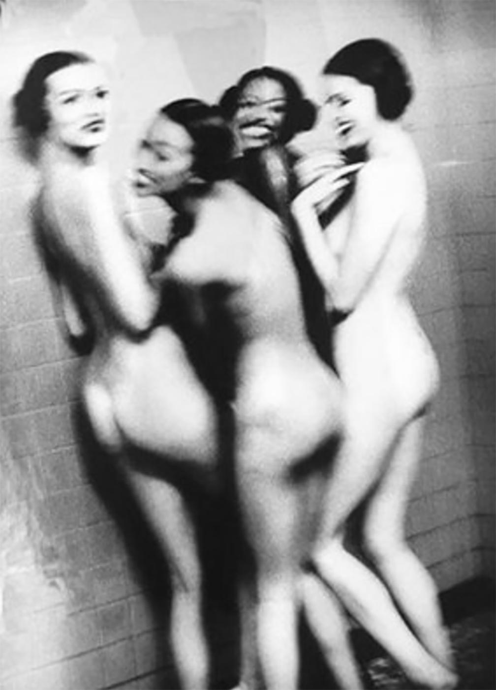 12 Ellen Von Unwerth, Four Girls in Shower.jpg