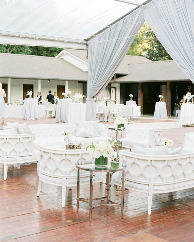 Beautiful reception setup at a private residence wedding in Louisiana with @caitlinbphoto.