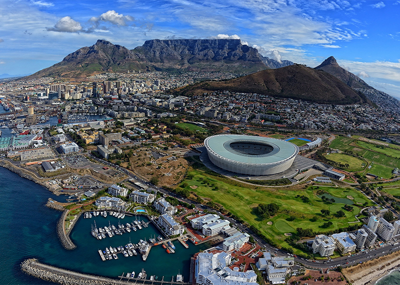 SOUTH AFRICA - South Africa's passion for rugby is legendary and a tour here combines a real love for the sport with the opportunity to see rich wildlife and epic scenery. South Africa is second only to New Zealand for 100% rugby dedication!